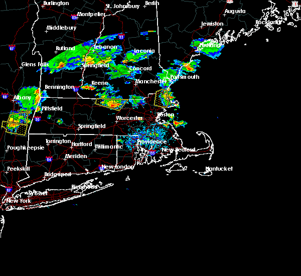 Radar Image for Severe Thunderstorms near Beverly, MA at 8/15/2015 5:58 PM EDT