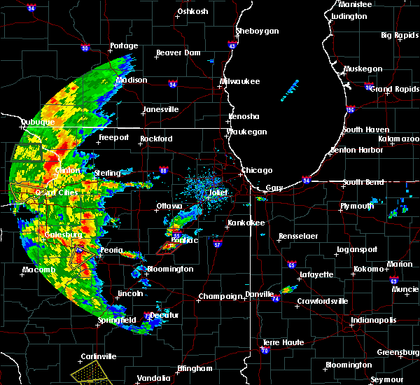 Radar Image for Severe Thunderstorms near Pontiac, IL at 8/18/2015 5:21 PM CDT