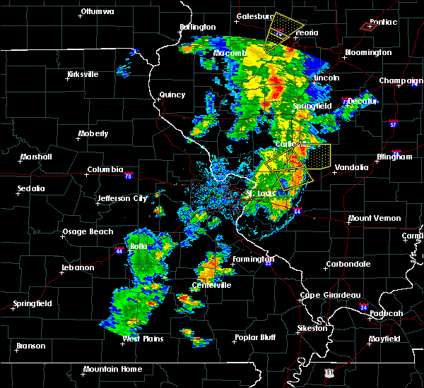 Radar Image for Severe Thunderstorms near Old Ripley, IL at 8/18/2015 5:33 PM CDT
