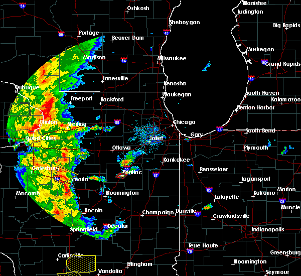 Radar Image for Severe Thunderstorms near Pontiac, IL at 8/18/2015 5:32 PM CDT