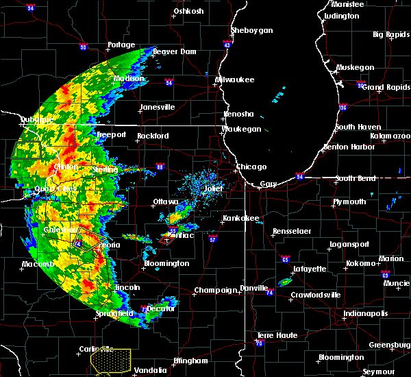 Radar Image for Severe Thunderstorms near Pontiac, IL at 8/18/2015 5:40 PM CDT
