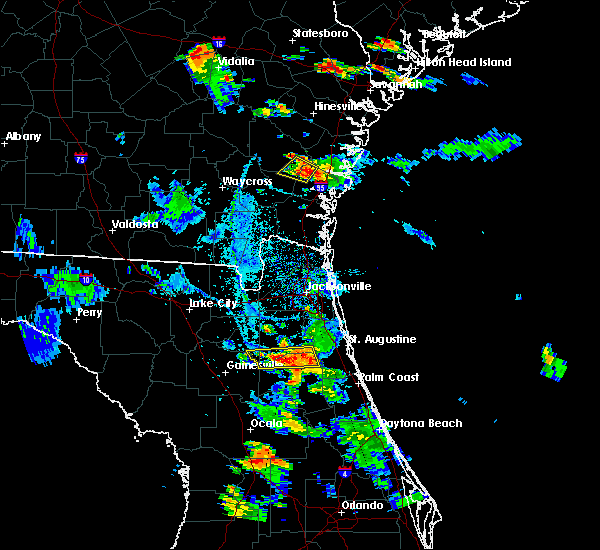 Radar Image for Severe Thunderstorms near Keystone Heights, FL at 8/18/2015 7:26 PM EDT