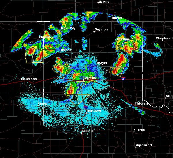 Radar Image for Severe Thunderstorms near Lefors, TX at 8/18/2015 11:32 PM CDT