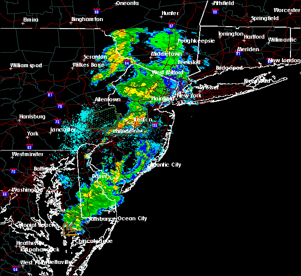 Radar Image for Severe Thunderstorms near Englishtown, NJ at 8/21/2015 1:05 AM EDT
