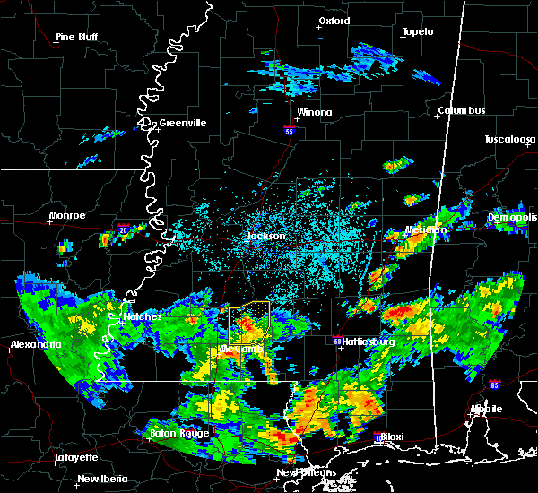 Radar Image for Severe Thunderstorms near New Hebron, MS at 8/21/2015 4:32 PM CDT