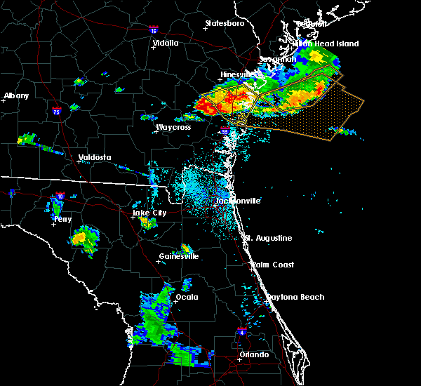 Radar Image for Severe Thunderstorms near Jesup, GA at 8/22/2015 7:47 PM EDT