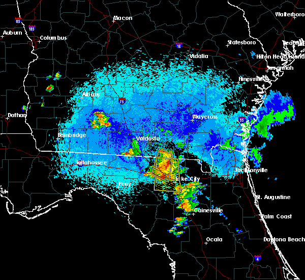 Radar Image for Severe Thunderstorms near Jasper, FL at 8/22/2015 11:04 PM EDT
