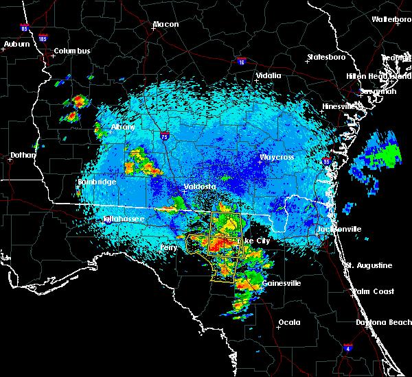 Radar Image for Severe Thunderstorms near Live Oak, FL at 8/22/2015 11:31 PM EDT
