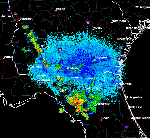 Radar Image for Severe Thunderstorms near Branford, FL at 8/23/2015 12:38 AM EDT