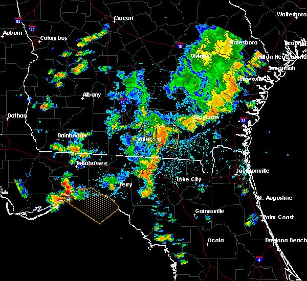 Radar Image for Severe Thunderstorms near Homerville, GA at 8/23/2015 3:58 PM EDT