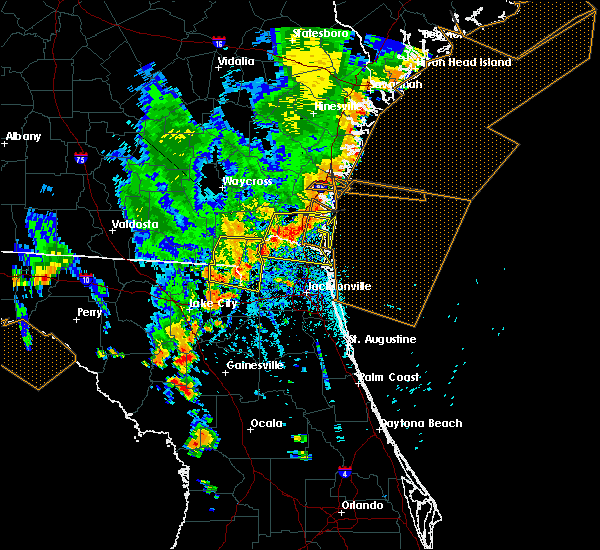 Radar Image for Severe Thunderstorms near Callahan, FL at 8/23/2015 5:20 PM EDT