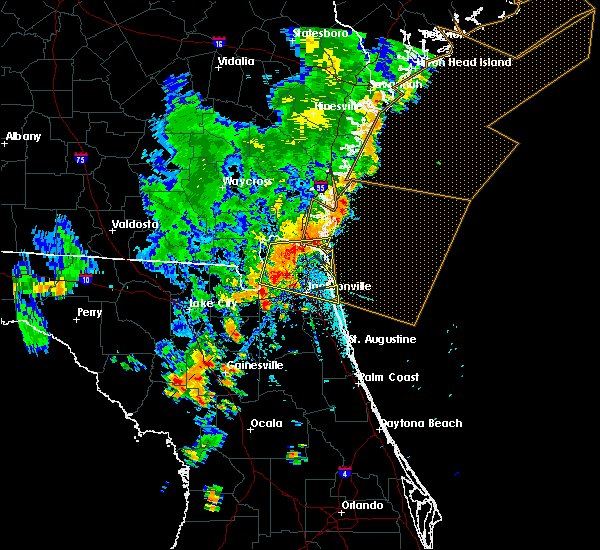 Radar Image for Severe Thunderstorms near Callahan, FL at 8/23/2015 5:44 PM EDT