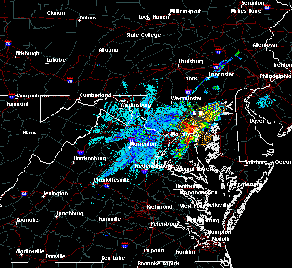 Radar Image for Severe Thunderstorms near Riva, MD at 8/24/2015 8:35 PM EDT