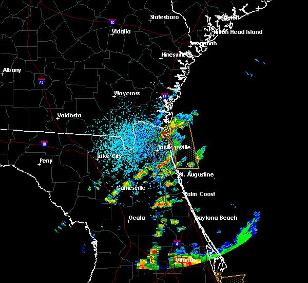Radar Image for Severe Thunderstorms near Yulee, FL at 8/26/2015 5:32 PM EDT