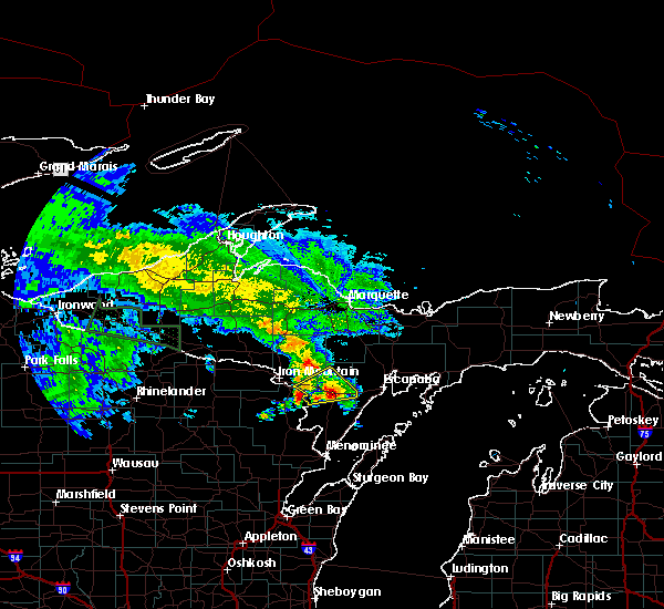 Radar Image for Severe Thunderstorms near Escanaba, MI at 9/2/2015 11:00 AM CDT