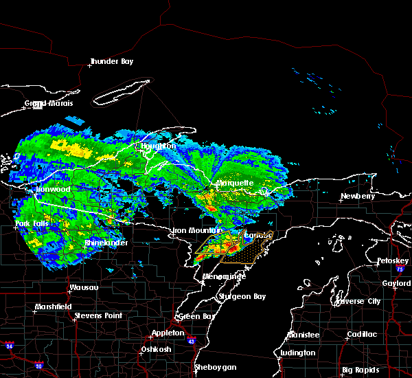 Radar Image for Severe Thunderstorms near Escanaba, MI at 9/2/2015 11:55 AM CDT