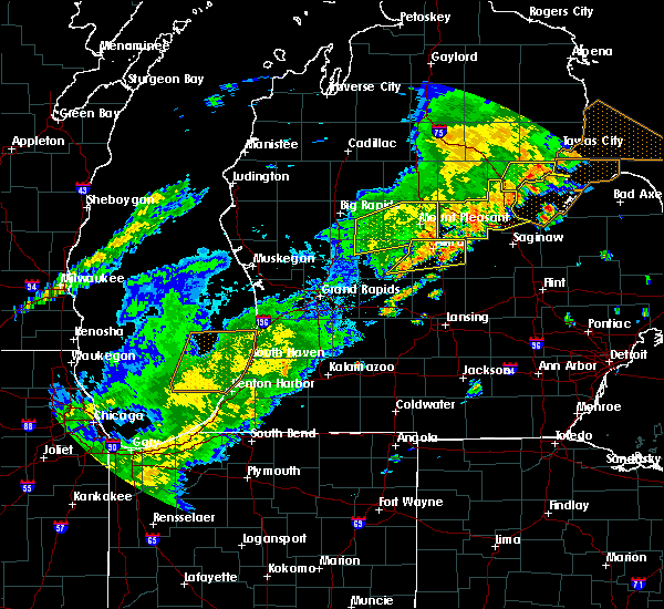 Radar Image for Severe Thunderstorms near Canadian Lakes, MI at 9/8/2015 4:23 PM EDT