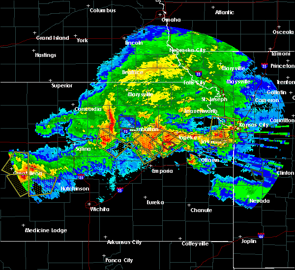 Radar Image for Severe Thunderstorms near Emporia, KS at 9/10/2015 8:46 PM CDT
