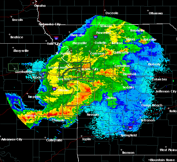 Radar Image for Severe Thunderstorms near Adrian, MO at 9/10/2015 11:06 PM CDT
