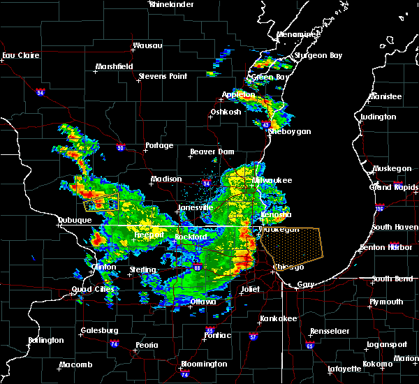 Radar Image for Severe Thunderstorms near Mineral Point, WI at 9/17/2015 4:33 PM CDT