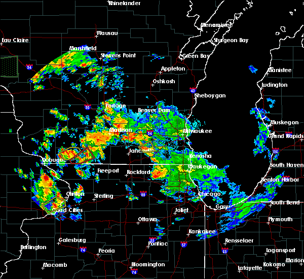 Radar Image for Severe Thunderstorms near Whitewater, WI at 9/17/2015 8:13 PM CDT
