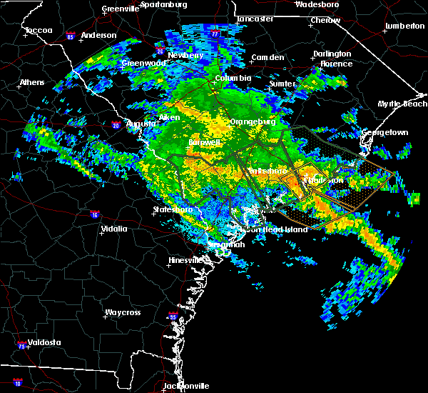 Radar Image for Severe Thunderstorms near Kiawah Island, SC at 10/3/2015 8:33 PM EDT