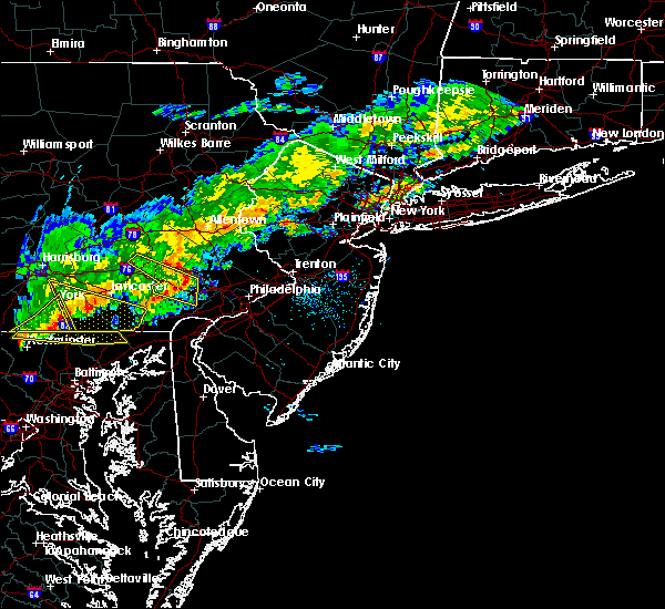 Radar Image for Severe Thunderstorms near Jenkintown, PA at 10/9/2015 4:44 PM EDT