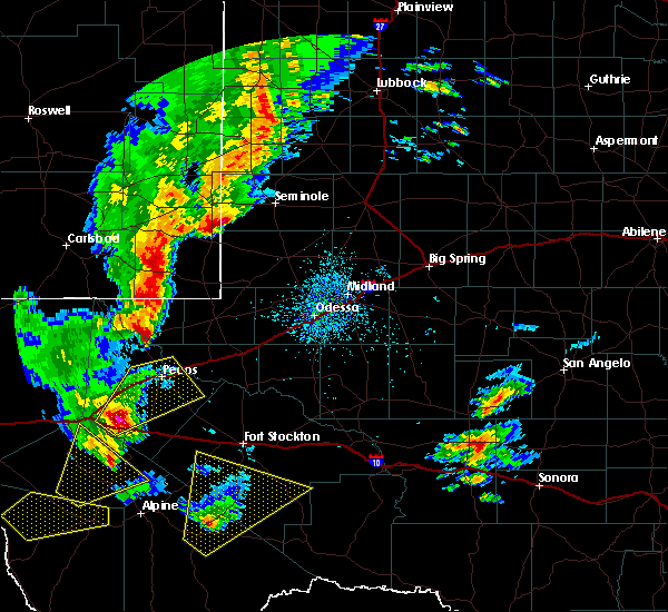 Radar Image for Severe Thunderstorms near Toyah, TX at 10/21/2015 11:00 PM CDT