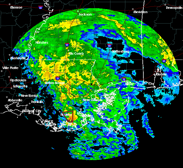 Radar Image for Severe Thunderstorms near Larose, LA at 10/25/2015 8:49 PM CDT