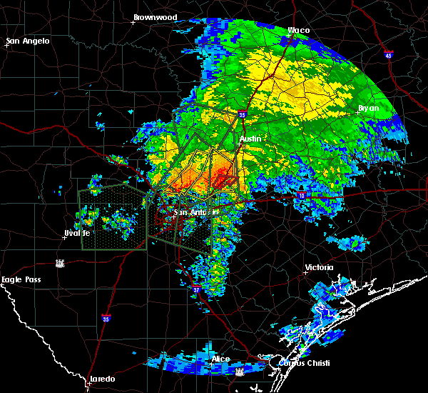 Radar Image for Severe Thunderstorms near Canyon Lake, TX at 10/30/2015 8:10 AM CDT