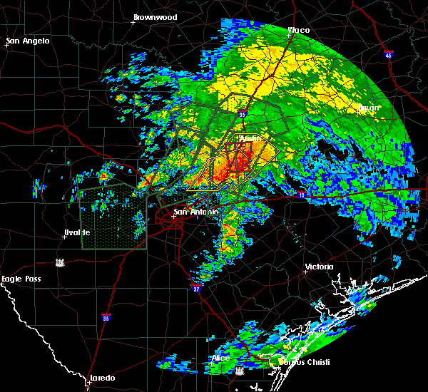 Radar Image for Severe Thunderstorms near Wimberley, TX at 10/30/2015 9:17 AM CDT
