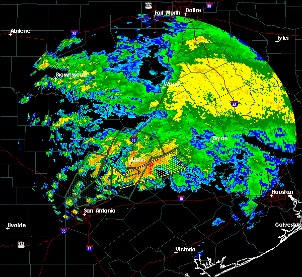 Radar Image for Severe Thunderstorms near Giddings, TX at 10/30/2015 11:06 AM CDT