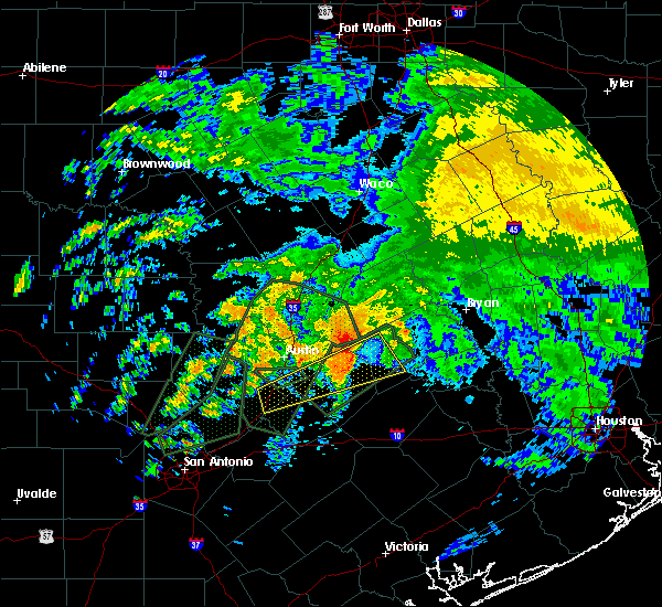 Radar Image for Severe Thunderstorms near Giddings, TX at 10/30/2015 11:42 AM CDT