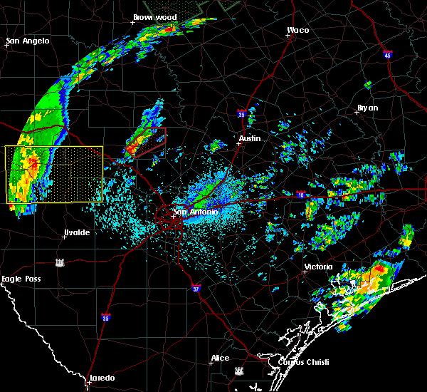 Radar Image for Severe Thunderstorms near Fredericksburg, TX at 10/30/2015 11:35 PM CDT