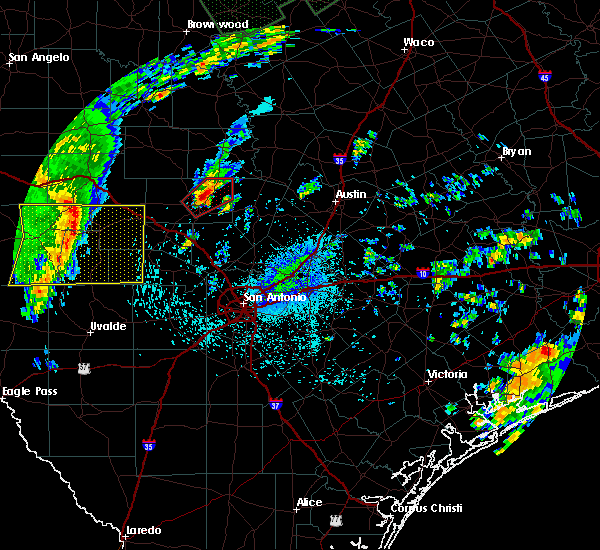 Radar Image for Severe Thunderstorms near Stonewall, TX at 10/30/2015 11:58 PM CDT