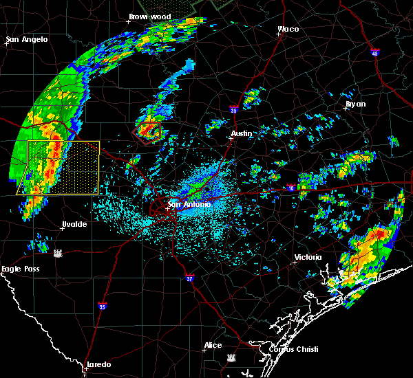 Radar Image for Severe Thunderstorms near Stonewall, TX at 10/31/2015 12:04 AM CDT