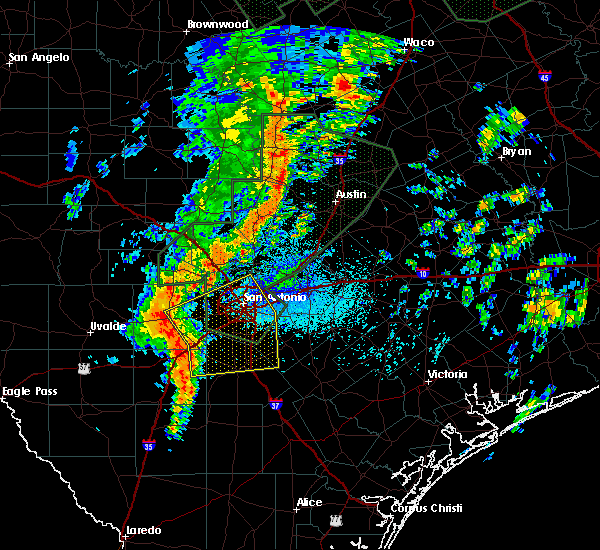 Radar Image for Severe Thunderstorms near Alamo Heights, TX at 10/31/2015 2:44 AM CDT