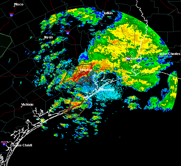 Radar Image for Severe Thunderstorms near Freeport, TX at 10/31/2015 3:09 AM CDT