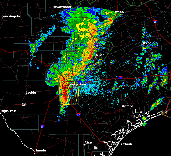 Radar Image for Severe Thunderstorms near Alamo Heights, TX at 10/31/2015 3:18 AM CDT