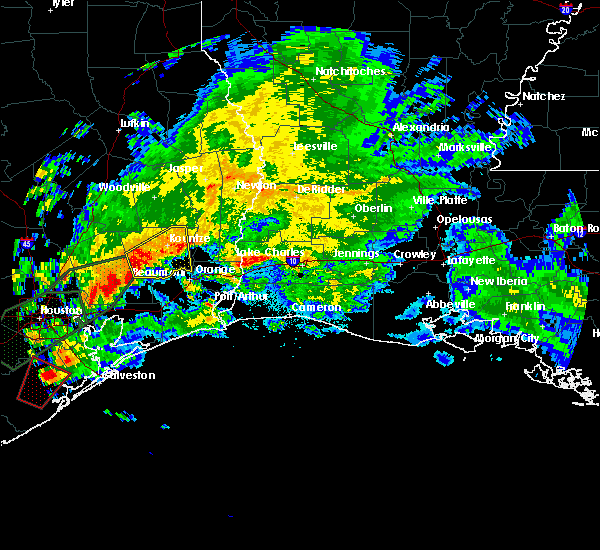 Radar Image for Severe Thunderstorms near Beaumont, TX at 10/31/2015 4:35 AM CDT