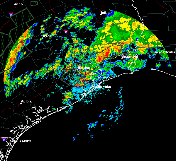 Radar Image for Severe Thunderstorms near Alvin, TX at 10/31/2015 5:04 AM CDT