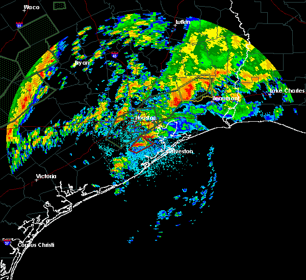 Radar Image for Severe Thunderstorms near Pasadena, TX at 10/31/2015 5:10 AM CDT