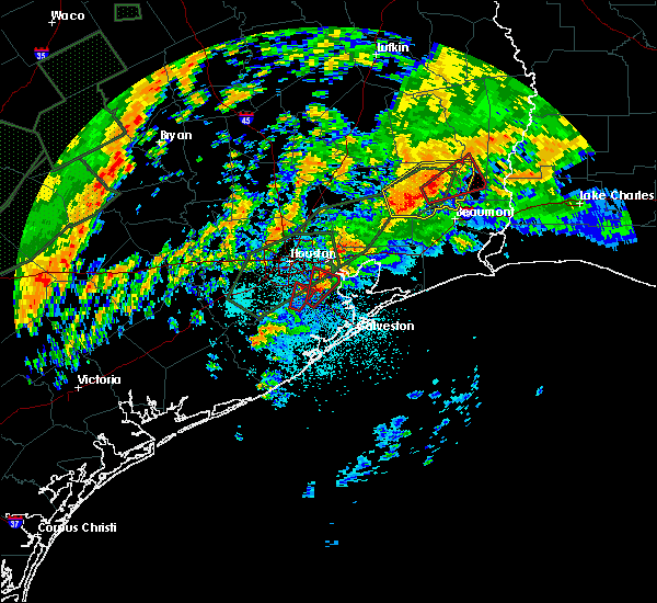 Radar Image for Severe Thunderstorms near Old River-Winfree, TX at 10/31/2015 5:32 AM CDT
