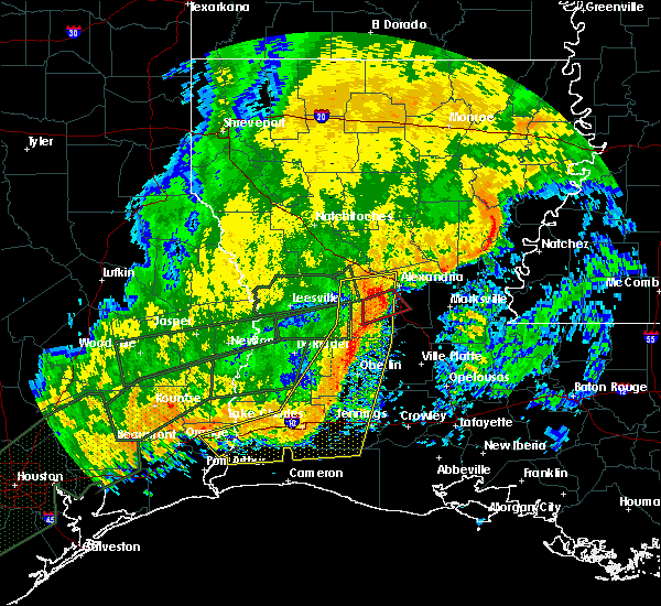 Radar Image for Severe Thunderstorms near Woodworth, LA at 10/31/2015 10:45 AM CDT