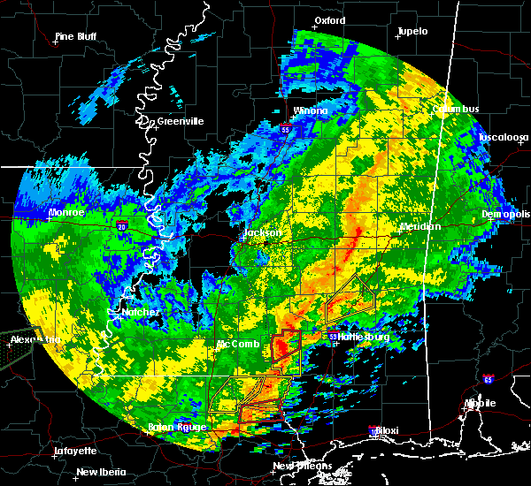 Radar Image for Severe Thunderstorms near Ellisville, MS at 10/31/2015 3:39 PM CDT