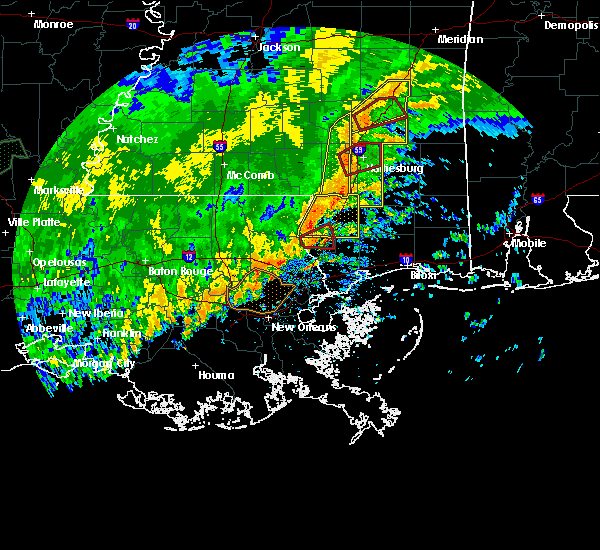 Radar Image for Severe Thunderstorms near Arnold Line, MS at 10/31/2015 4:25 PM CDT