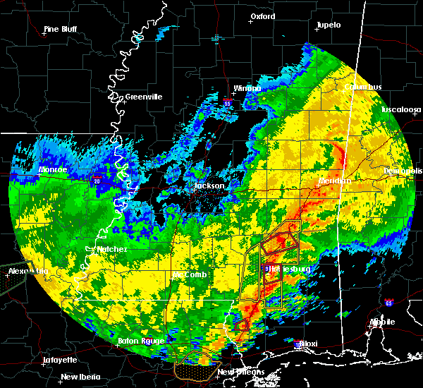 Radar Image for Severe Thunderstorms near Sandersville, MS at 10/31/2015 4:38 PM CDT