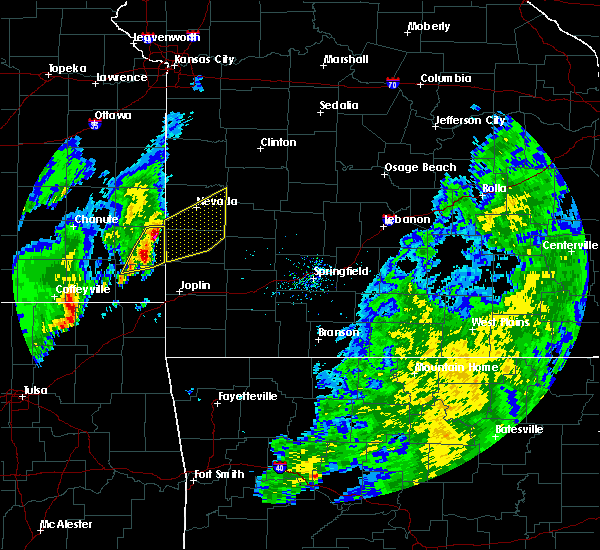 Radar Image for Severe Thunderstorms near Moundville, MO at 11/5/2015 1:36 PM CST