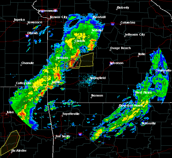 Radar Image for Severe Thunderstorms near Bolivar, MO at 11/5/2015 3:42 PM CST