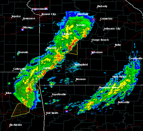 Radar Image for Severe Thunderstorms near Flemington, MO at 11/5/2015 4:06 PM CST